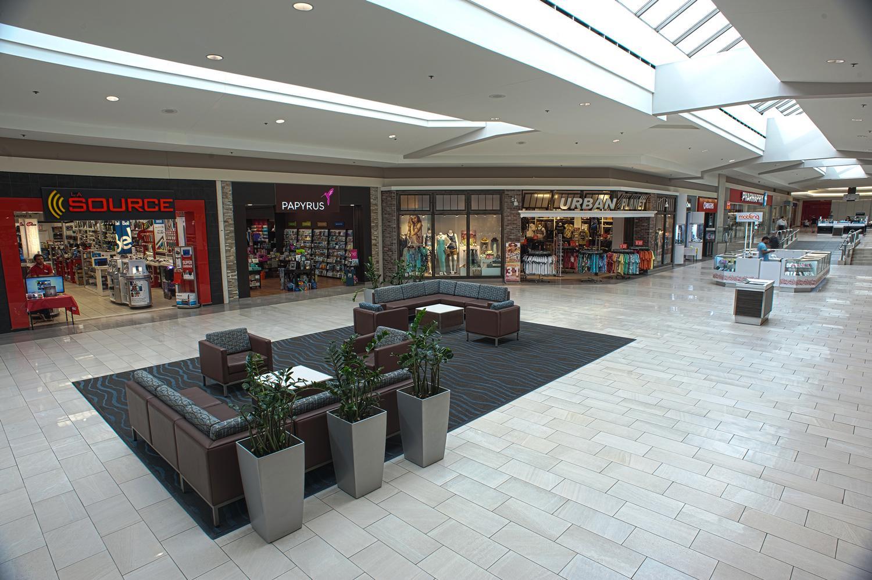 Centre Commercial Carrefour Angrignon Groupe De Societes Westcliff